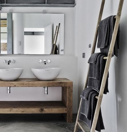 salle de bain rnove avec du bton cir