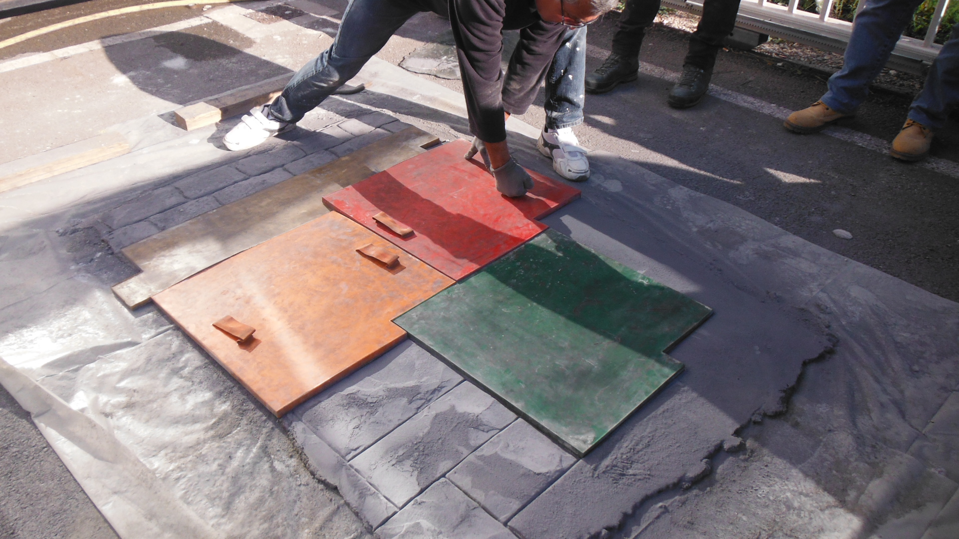 Comment Faire Une Terrasse En Resine poser un béton imprimé - conseils et astuces